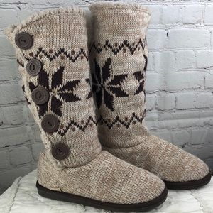 Muk luks. Tan with brown snowflakes. Sherpa lined.